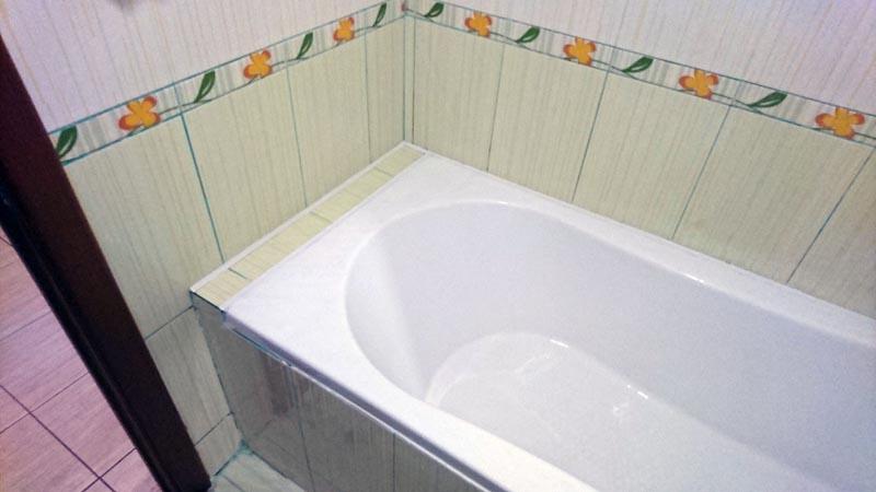 угол ванной плитки