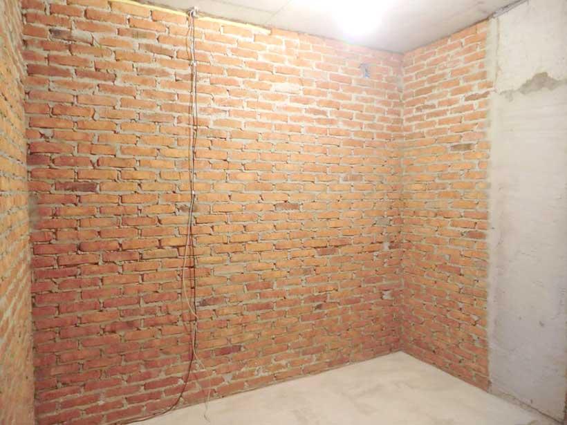 комната аудиометрии первоначально имеет кирпичные стены