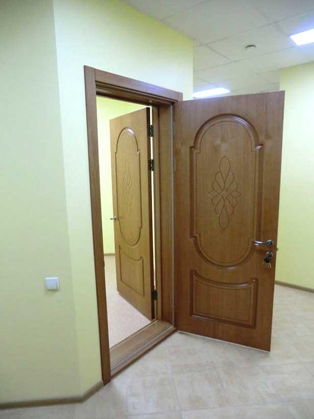 установленные двери с повышенной шумоизоляцией