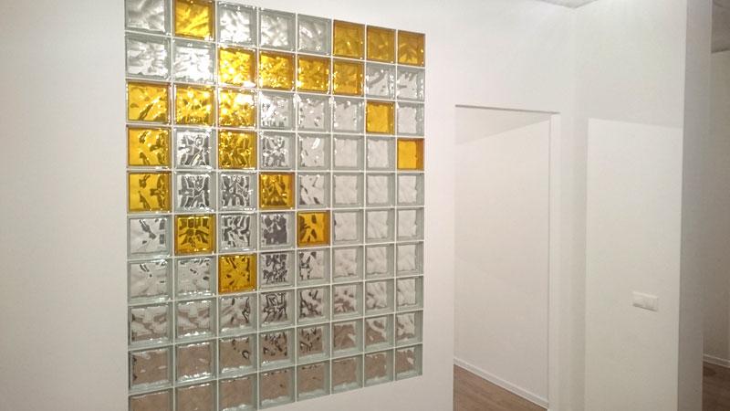 стеклоблоки декор: желтые и прозрачные