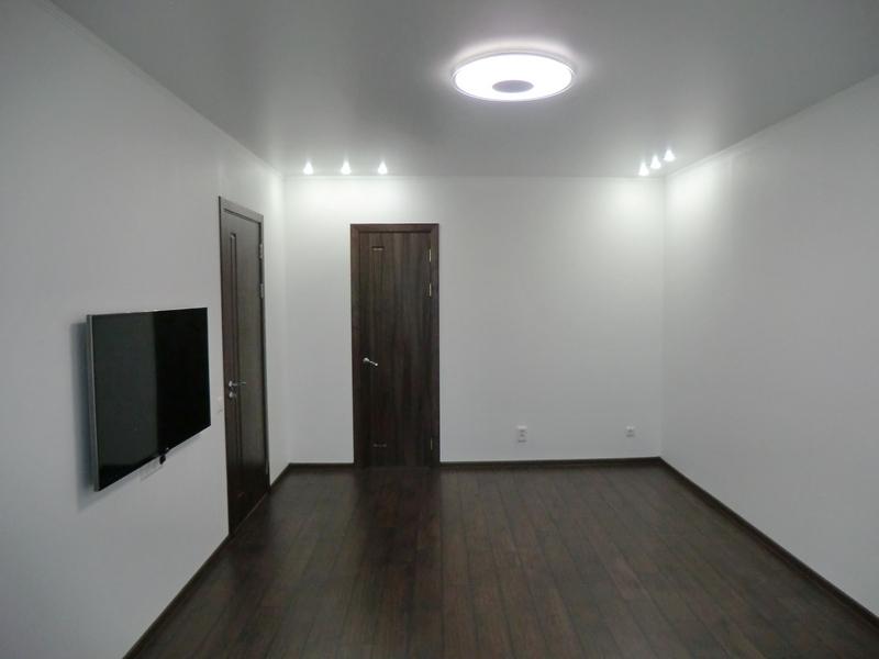 зал- отделка пола, стен, потолка