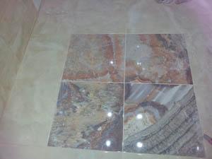 Плитка в ванной под мрамор
